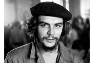 El Che Guevara también portaba la boina parisina (Foto: unoentrerios.com.ar)